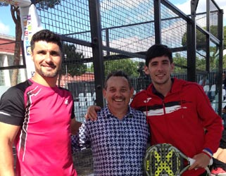 Claudio Galuppini (center) on the Paddle 2016 international courses in Rome - produced and prepared by Forgiafer and Officine del Padel.